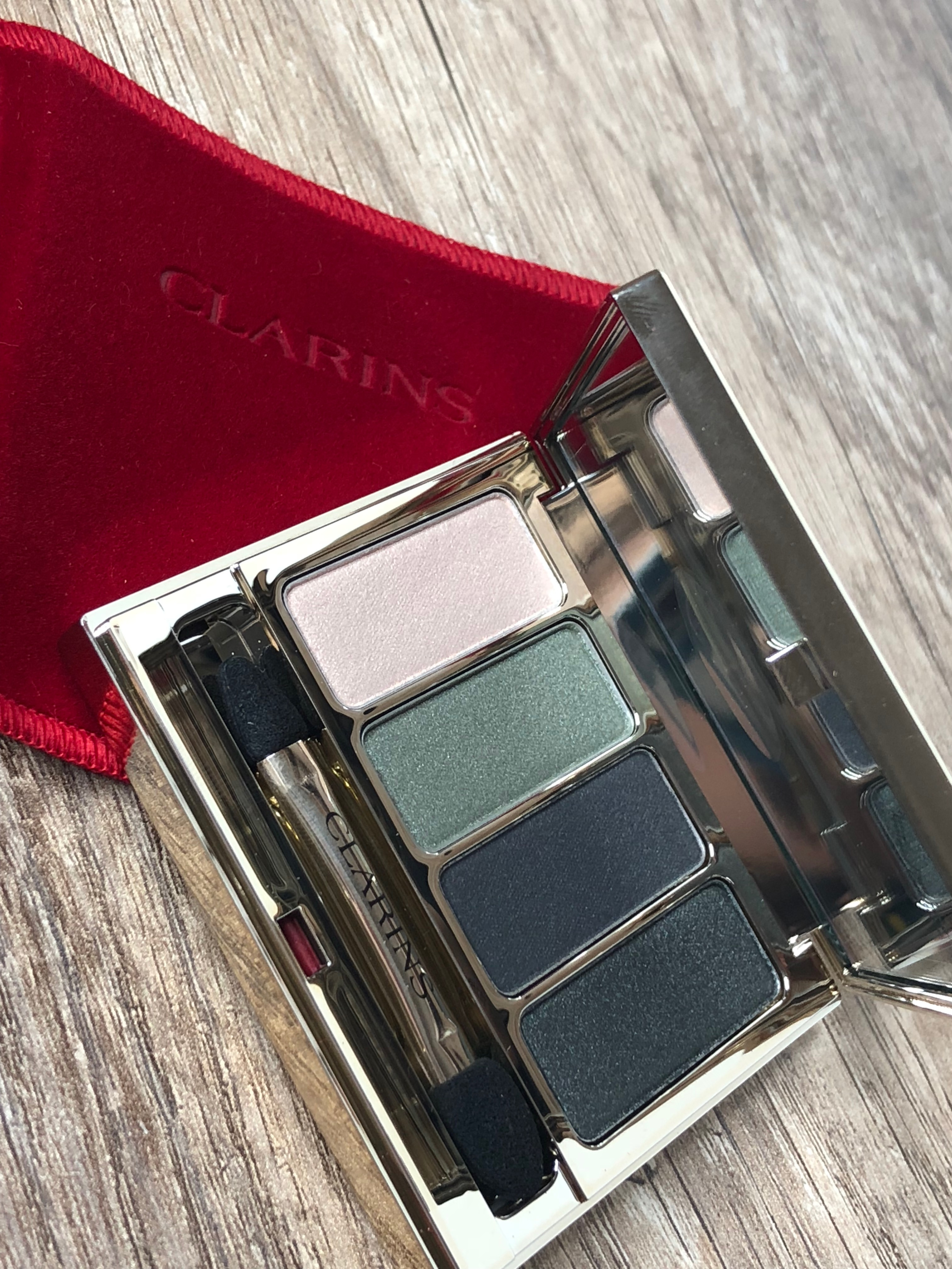palette 04 couleurs clarins forest